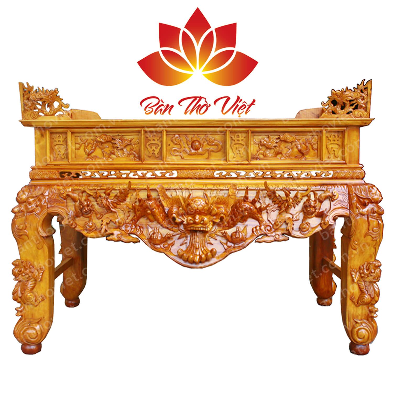 Màu sắc sản phẩm bàn thờ kiểu cổ trang trọng và linh thiêng