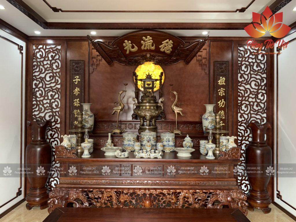 Bàn thờ kiểu cổ phù hợp với phòng thờ có diện tích lớn