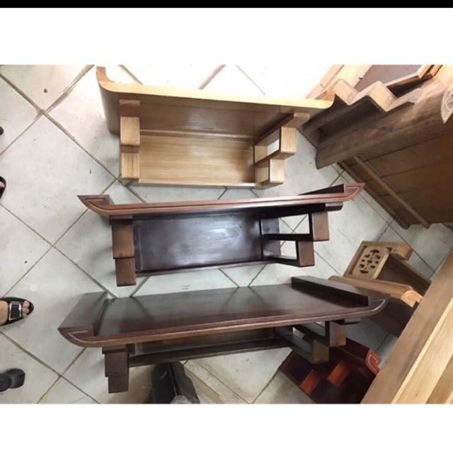 Bàn thờ treo tường 3 tầng rất tiện dụng cho khách hàng sử dụng trong thờ cúng gia đình